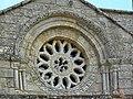 Rosetón da igrexa de San Tomé de Serantes, Leiro.jpg