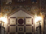 Royal throne (Palatine Chapel).jpg