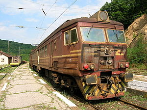 Rusty train in Koprivshtitsa.JPG