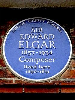 Photo of Edward Elgar blue plaque