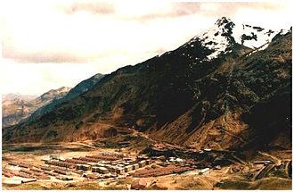 Chumpe (Junín) - Chumpe and the mining village of San Cristóbal
