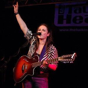 Sandi Thom - Thom performing in 2008