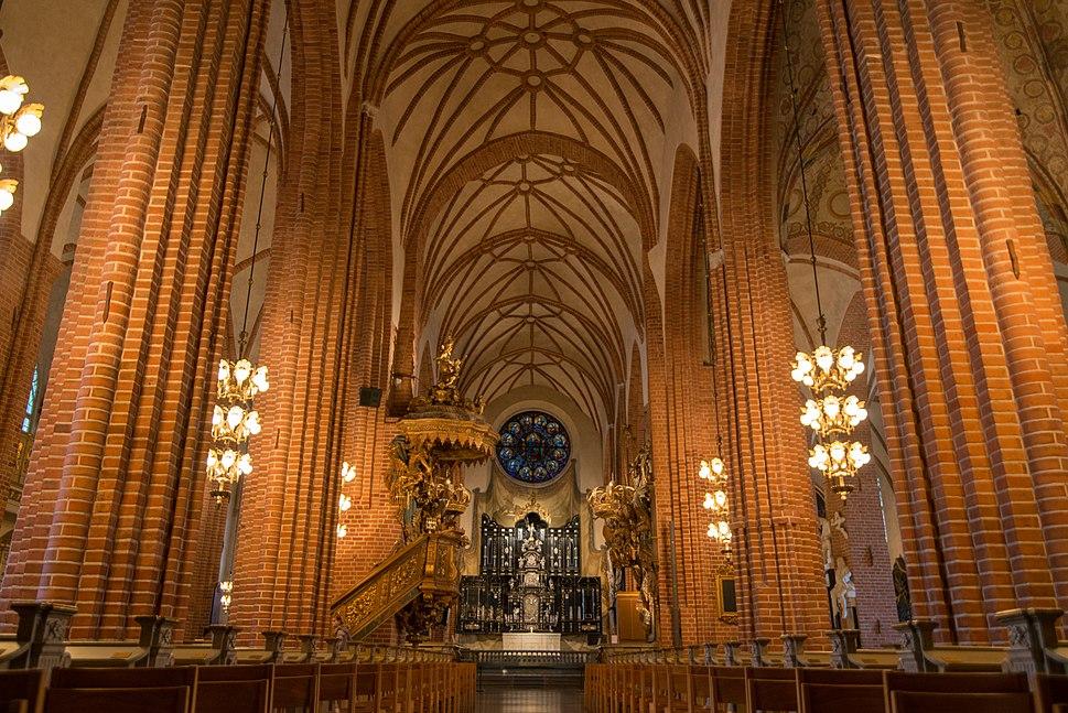 Sankt Nikolai kyrka (24739350352)