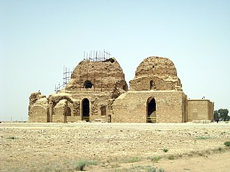 History of Persian domes - Ruins of the Sarvestan Palace in Sarvestan, Iran.