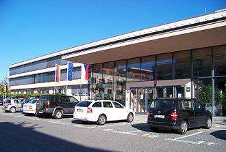 Deutsche Schule Prag - Image: Schwarzenberská, Německá škola v Praze, vchod (01)