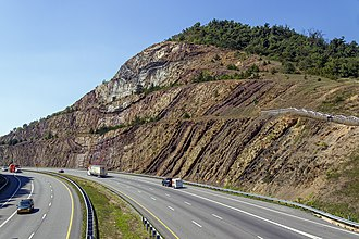 Syncline - Image: Sideling Hill cut MD1