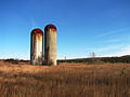 Silos on a farm on the Oak Ridges Moraine in 2007.jpg
