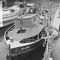 Sleepboot uit elkaar geploft aan de binnenkant te Amsterdam de Jelgrie waarvan, Bestanddeelnr 917-6994.jpg
