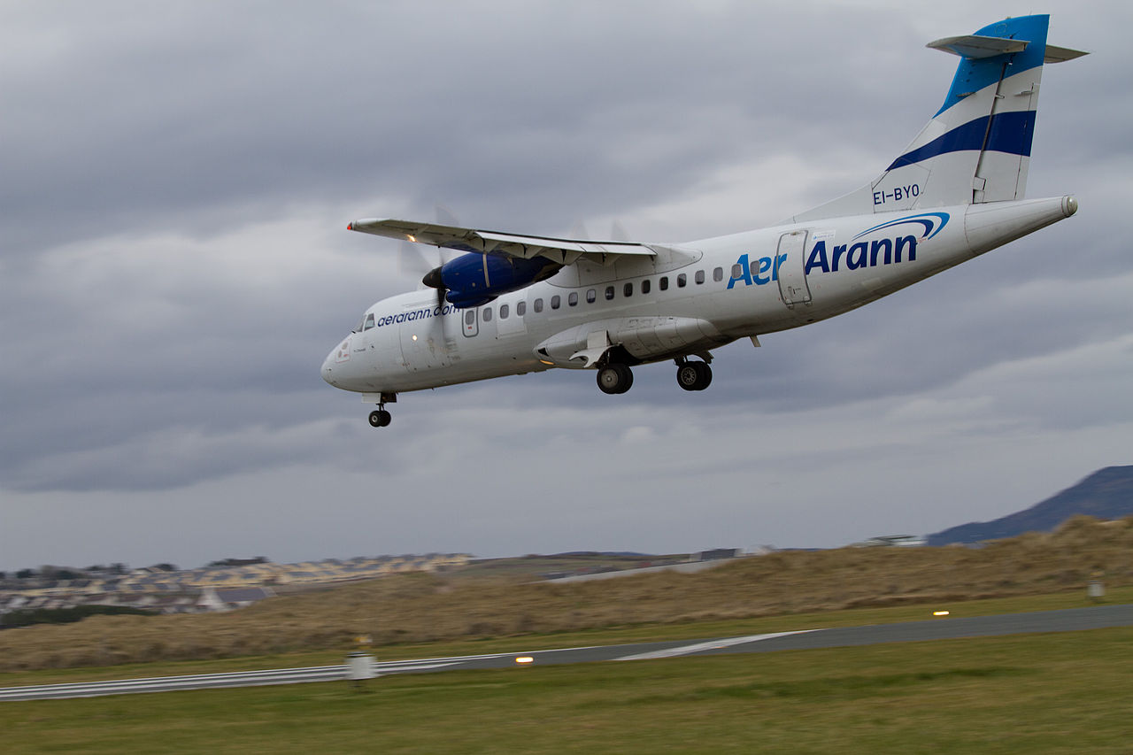 Time To Build File Sligo Plane Landing Jpg Wikimedia Commons