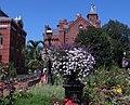 Smithsonian Gardens in July (19901421379).jpg