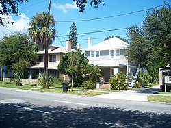 St. Pete Round Lake house03.jpg