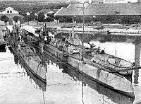 Submarines Tyulen', Utka, AG-22 at Bizerte, 1922.jpg