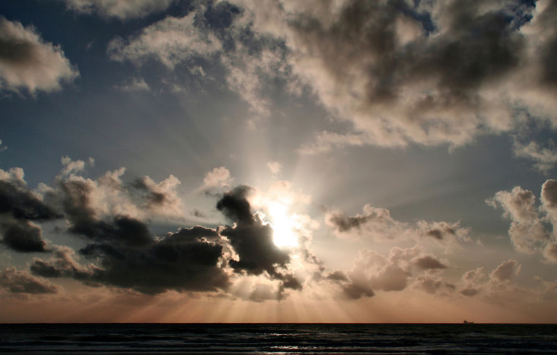 File:Sunset clouds and crepuscular rays over pacific edit.jpg