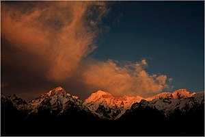 English: Sunsets from from kalpa with 70-300 I...