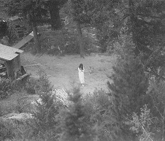 Ruby Ridge - Image: Surveillance photograph of Vicki Weaver 21 Aug 1992