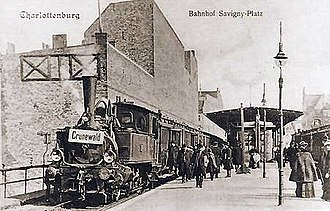 Berlin Stadtbahn - Berliner Stadteisenbahn: Station Savignyplatz with a Prussian T2