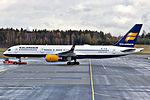 TF-ISL 757 Icelandair OSL 02.jpg