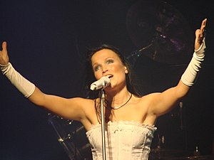 Symphonic metal - Image: Tarja Turunen at Obras Stadium 2008 02