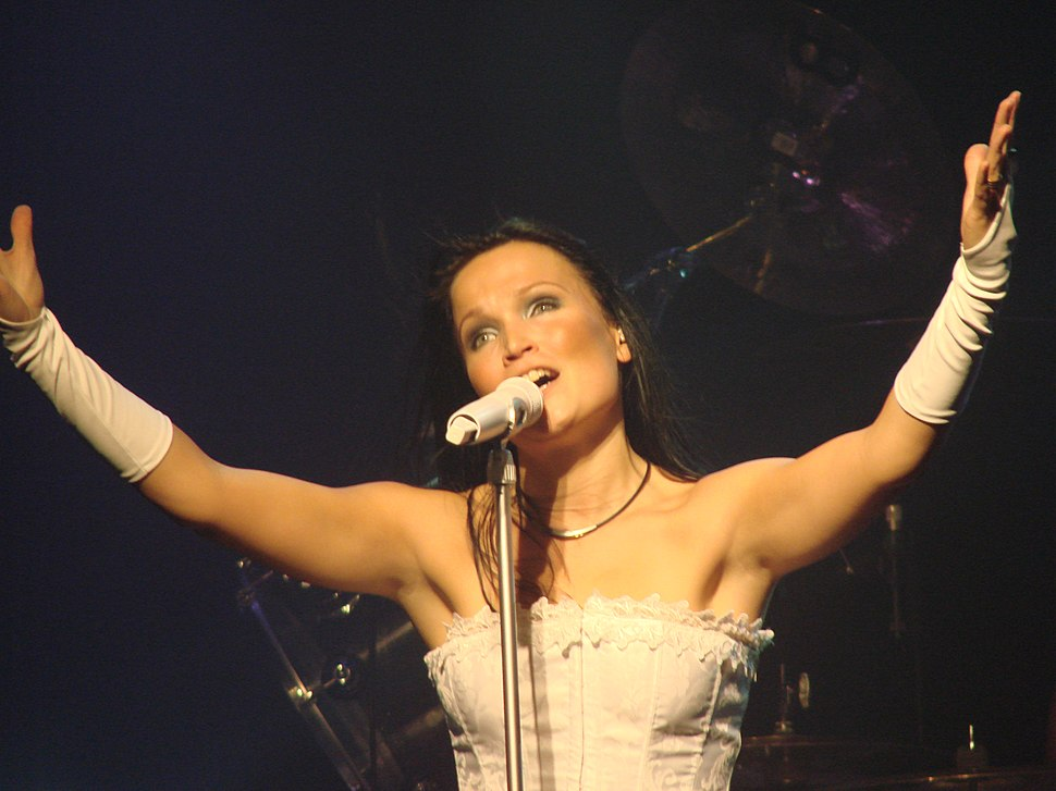 Tarja Turunen at Obras Stadium 2008 02