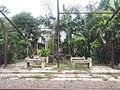 Tempat duduk halte Kumendung.jpg