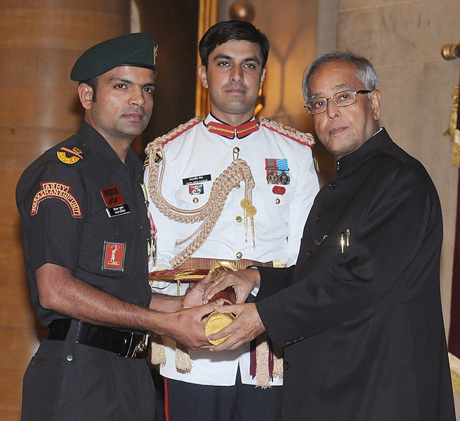 The President, Shri Pranab Mukherjee presenting the Padma Shri Award to Shri Vijay Kumar, at an Investiture Ceremony-II, at Rashtrapati Bhavan, in New Delhi on April 20, 2013.jpg