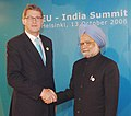 The Prime Minister, Dr. Manmohan Singh shaking hands with the Prime Minister of Finland, Mr. Matti Vanhanen at the 7th India-EU Summit in Helsinki, Finland on October 13, 2006.jpg