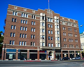 The Riverside Hotel (Reno, Nevada).jpg