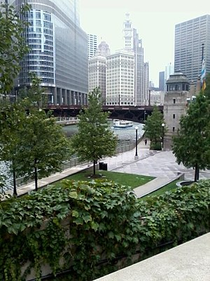 Chicago Riverwalk - The Riverwalk as seen from Upper Wacker Drive looking down at the Vietnam Veterans Memorial
