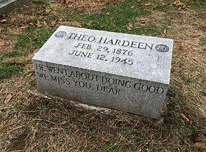 Theodore Hardeen - Image: Tombstone of Theo Hardeen