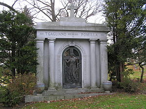 Tommy Gagliano - The mausoleum of Tommy Gagliano in Woodlawn Cemetery
