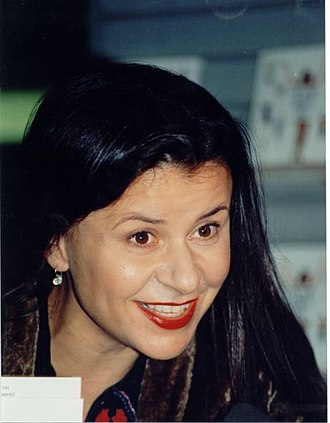 Tracey Ullman - Ullman at a book signing in 1998