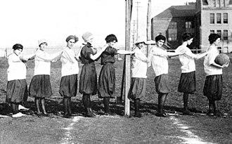 Trinity Tigers - Women's basketball team, 1915