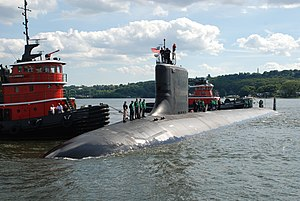 US Navy 100722-N-3090M-365 The Virginia-class submarine Pre-Commissioning Unit (PCU) Missouri (SSN 780) prepares to moor at Naval Submarine Base New London for the first time. Missouri will be commissioned at the base July 31.jpg