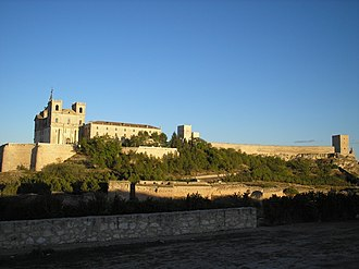 Uclés - Image: Ucles Cuenca España Monasterio y Castillo. Ucles. Cuenca Spain. Monastery Headquaters of Sant Jacques Order