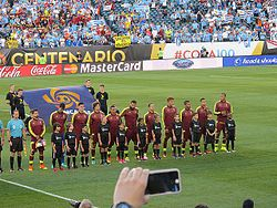 La selección de Venezuela se alinea previo a su enfrentamiento por la Copa  América Centenario ante su similar de Uruguay. 0e423d1b255a4