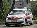 VW Politie auto bij Ongeluk Van Heuven Goedhartlaan.JPG