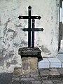Vauréal (95), croix de chemin, rue Nationale - cité des Dames Gilles.jpg