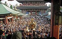 View of mikoshi from sensoji Sanja Matsuri 2006-3.jpg