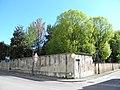 Villa Maldura Grifalconi Bonaccorsi, il parco dall'esterno (Pernumia).jpg