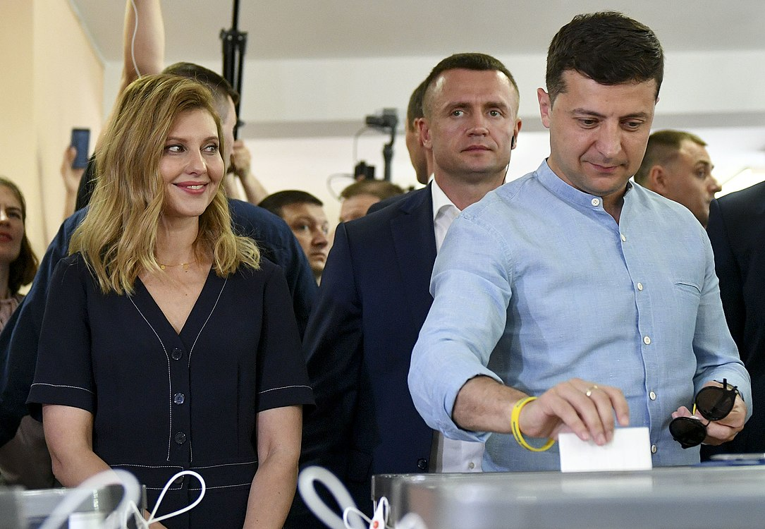 Volodymyr Zelenskyy voted in parliamentary elections (2019-07-21) 05.jpg