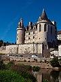 Vue d'ensemble 2 château de la Rochefoucauld depuis les berges de la Tardoire.jpg