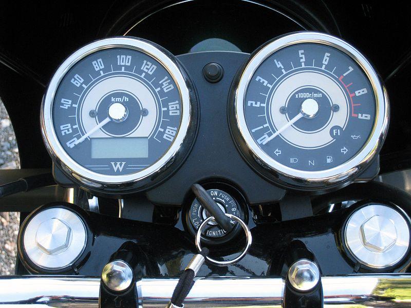 File:W800 instruments.jpg