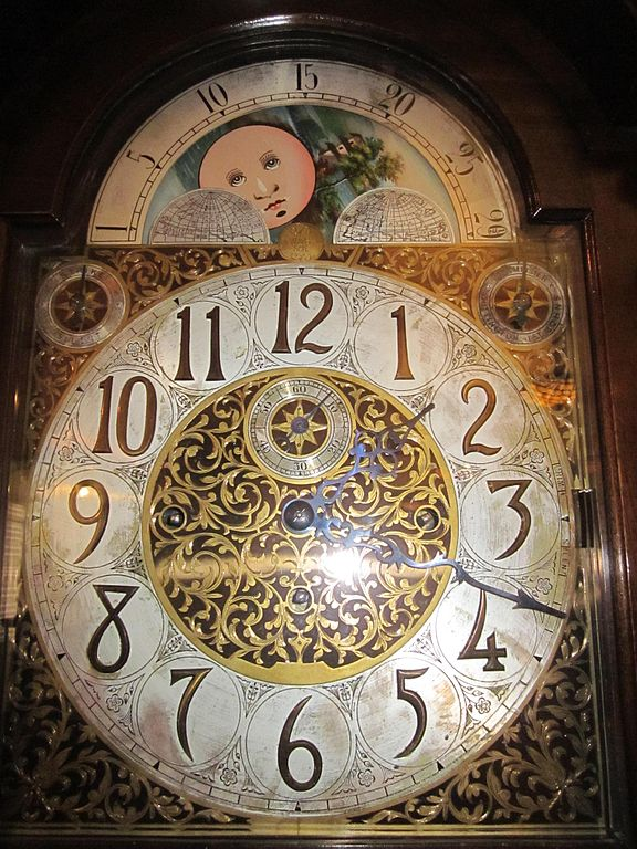 File:W & H Sch grandfather clock face 1.JPG - Wikimedia ...