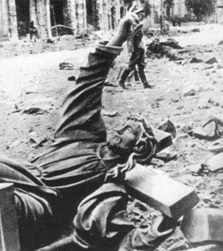 Warsaw Uprising - Christ of Holy Cross Church