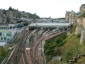 North Bridge, Edinburgh - North Bridge, above Waverley Station, from the East