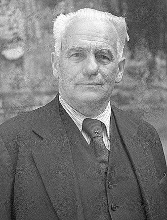 Wilhelm Pieck - Image: Wilhelm Pieck portrait(cropped)