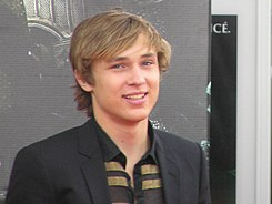 William Moseley french premiere of The Chronicles of Narnia Prince Caspian.jpg