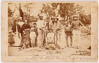 Moliagul - Miners and their wives posing with the finders of the largest alluvial gold find in the world, the Welcome Stranger.