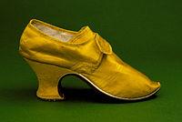 Woman's yellow silk shoes 1760s.jpg