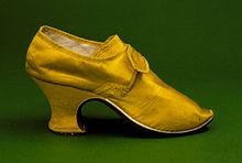A woman's heel shoe